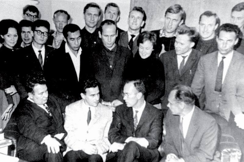 К 50-летию создания первого в мире лазера (1960-2010)